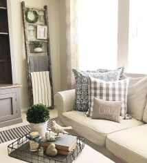 Cute Shabby Chic Farmhouse Living Room Design Ideas 40