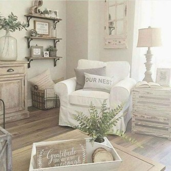 Cute Shabby Chic Farmhouse Living Room Design Ideas 43
