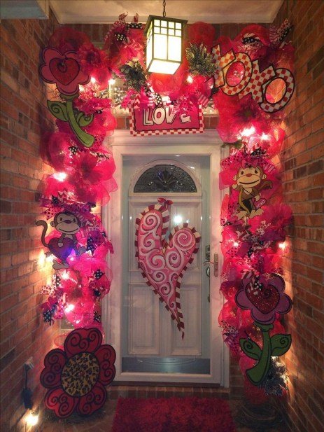 Festive Valentine Porch Decorating Ideas 05