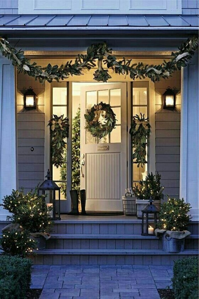 Festive Valentine Porch Decorating Ideas 43