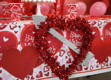 Inspiring Table Decoration Ideas For Valentines Party 04