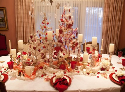 Inspiring Table Decoration Ideas For Valentines Party 06