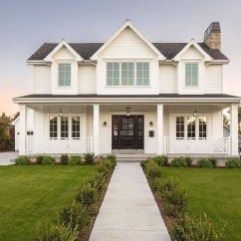 Modern Farmhouse Exterior Designs Ideas 42