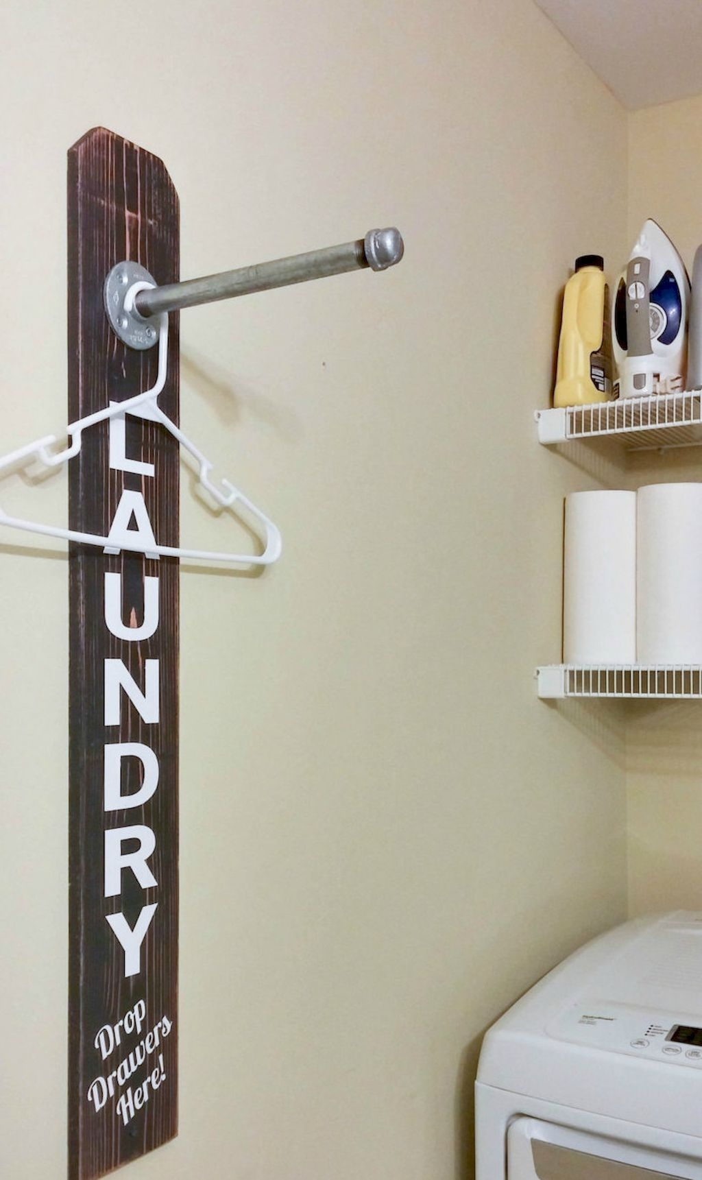 Totally Inspiring Small Functional Laundry Room Ideas 19