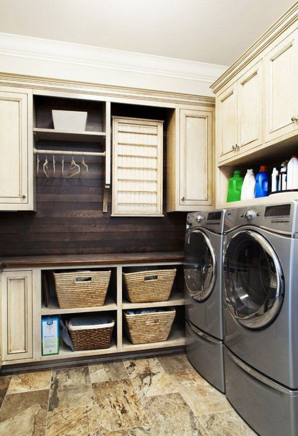 Totally Inspiring Small Functional Laundry Room Ideas 31
