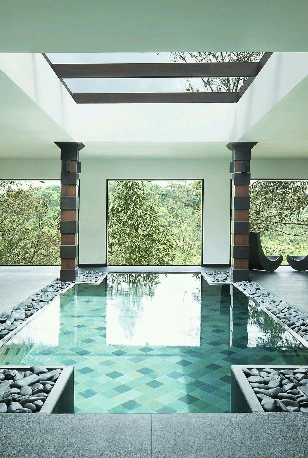 Adorable Small Indoor Swimming Pool Design Ideas 05