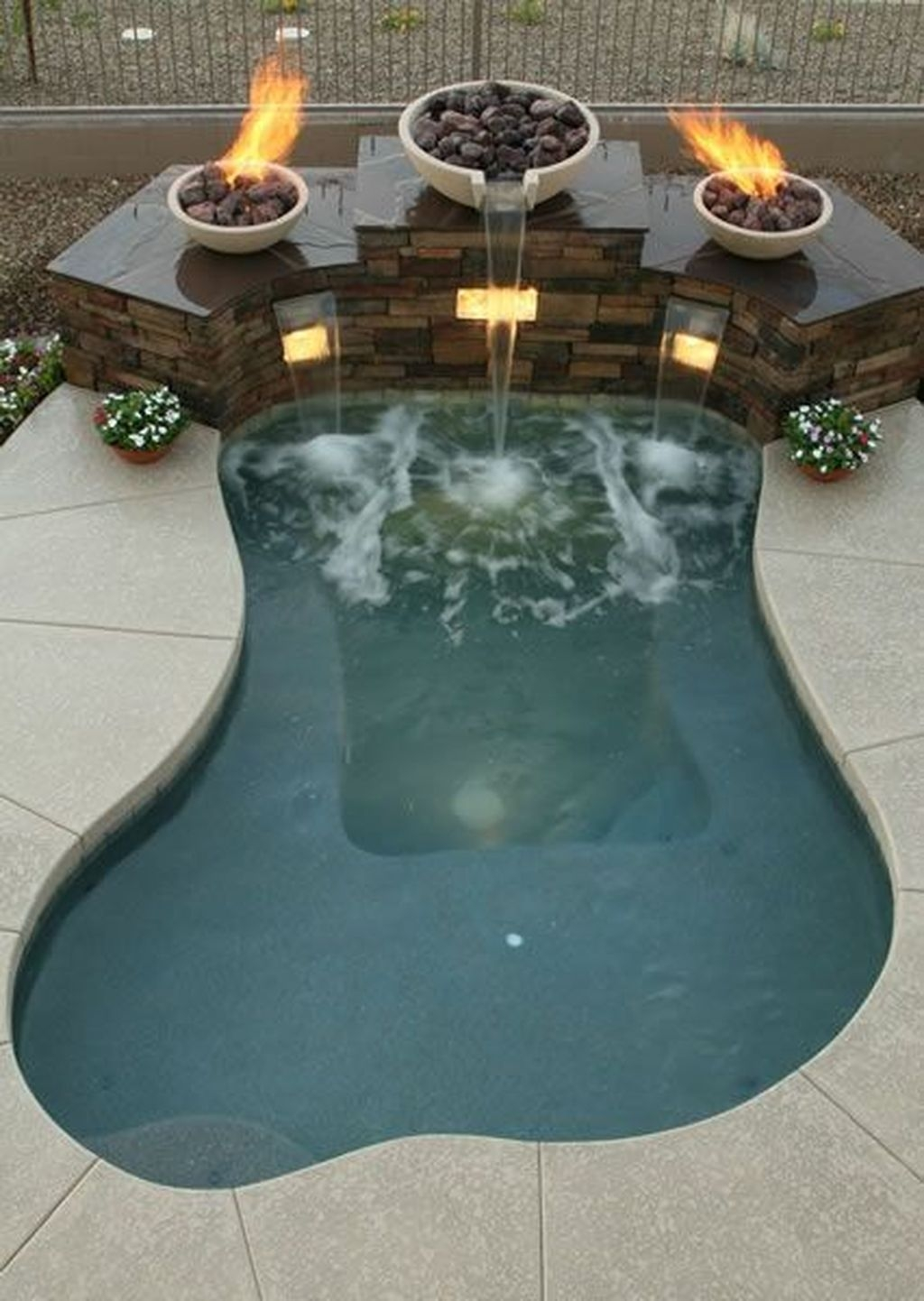 Adorable Small Indoor Swimming Pool Design Ideas 06
