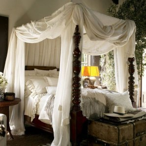 Awesome Canopy Bed With Sparkling Lights Decor Ideas 02
