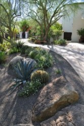 Gorgeous Front Yard Landscaping Remodel Ideas 27