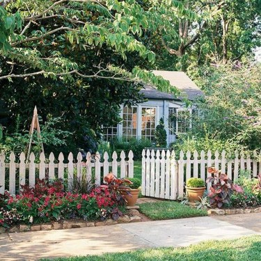 Gorgeous Front Yard Landscaping Remodel Ideas 47
