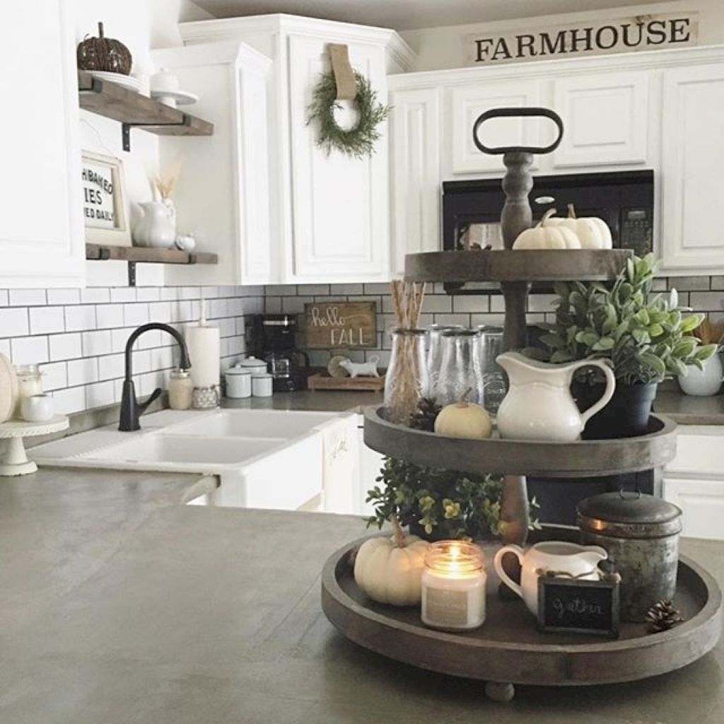 Gorgeus Farmhouse Kitchen Sink Design Ideas 14