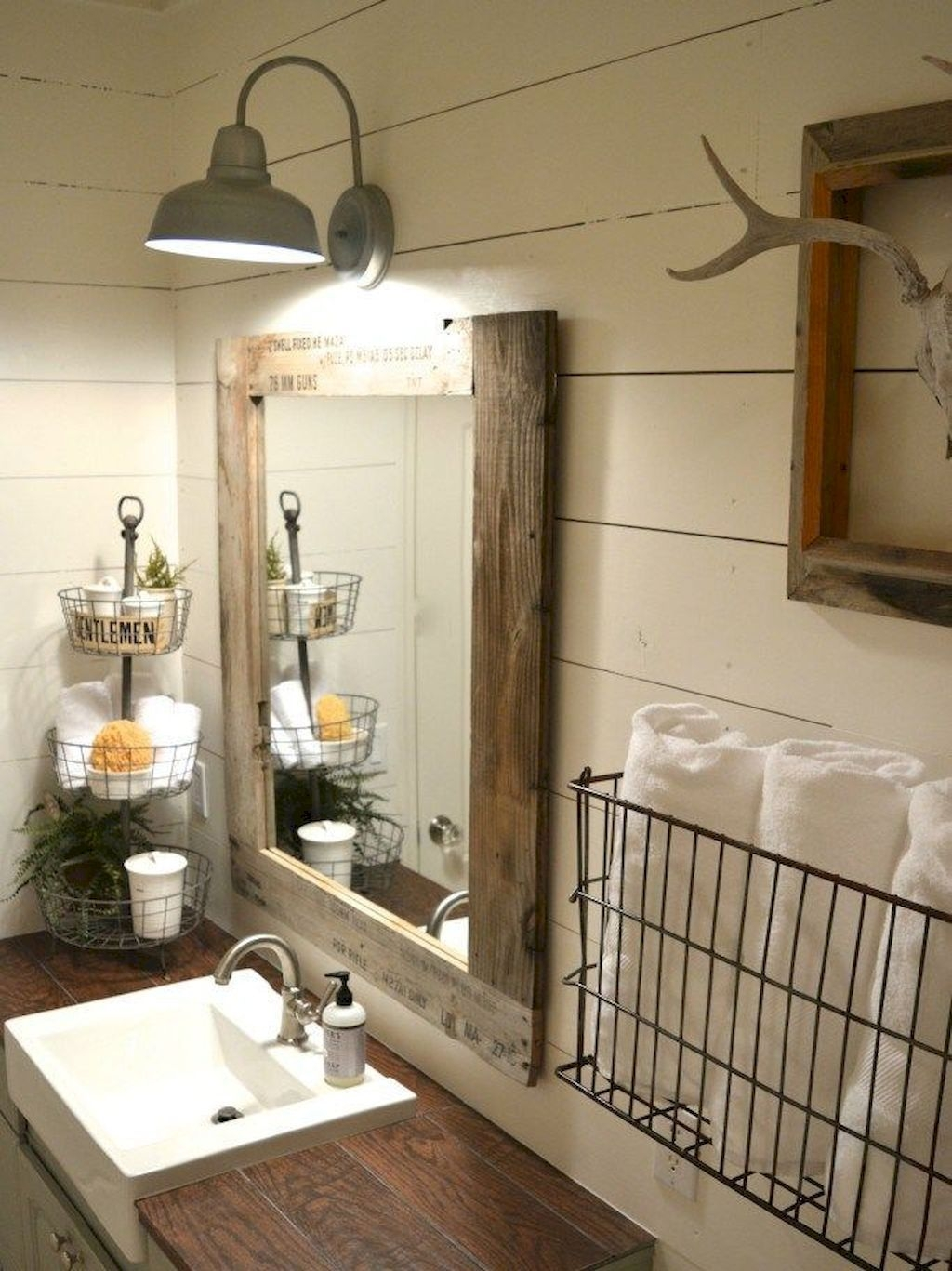 Modern Farmhouse Bathroom Vanity Design Ideas 29