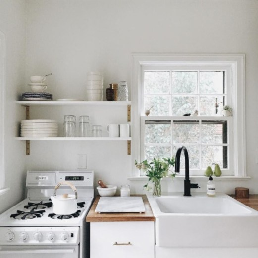 Simple Minimalist Small White Kitchen Design Ideas 24