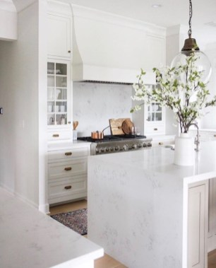 Simple Minimalist Small White Kitchen Design Ideas 40
