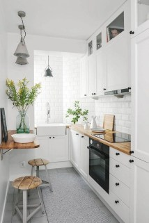 Simple Minimalist Small White Kitchen Design Ideas 48