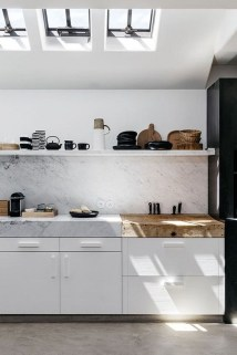 Simple Minimalist Small White Kitchen Design Ideas 50