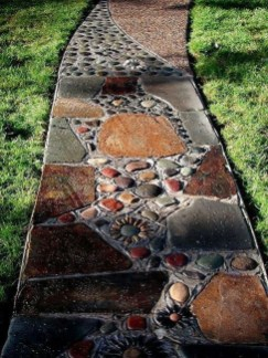 Stylish Stepping Stone Pathway Décor Ideas 12