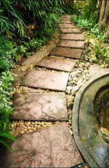 Stylish Stepping Stone Pathway Décor Ideas 30