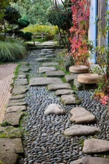 Stylish Stepping Stone Pathway Décor Ideas 51