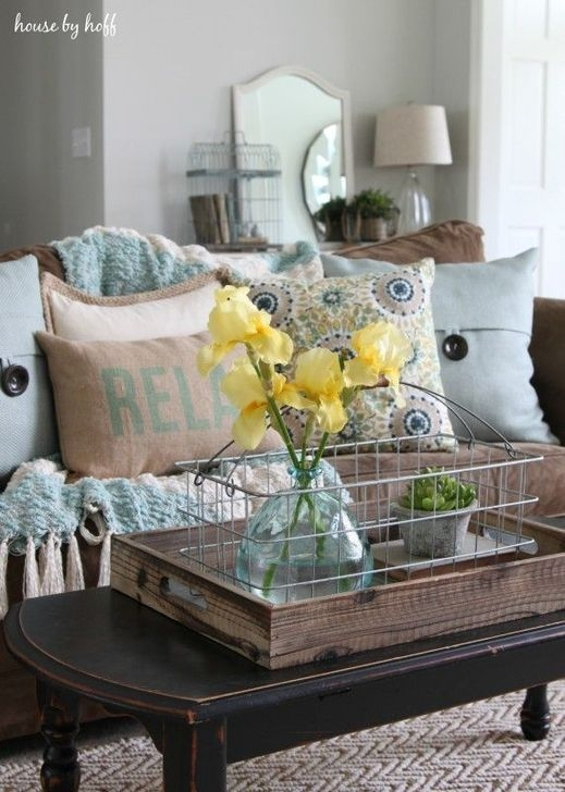 Adorable Decorative Accent Pillows Ideas For Living Room 24