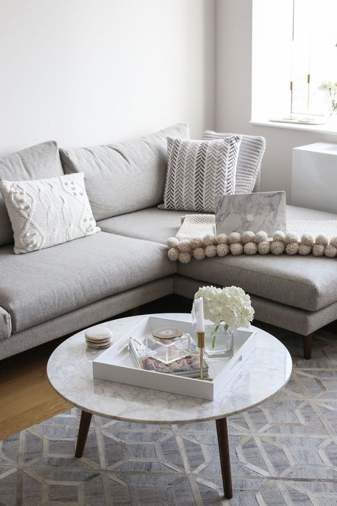 Adorable Decorative Accent Pillows Ideas For Living Room 25