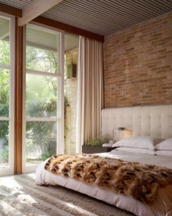 Adorable Exposed Brick Walls Bedrooms Design Ideas 21
