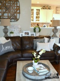 Beautiful Leather Couch Decorating Ideas For Living Room34