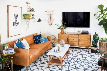 Beautiful Leather Couch Decorating Ideas For Living Room42