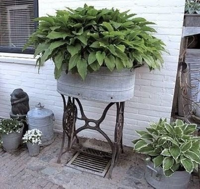 Comfy And Unique Garden Decor Ideas 34