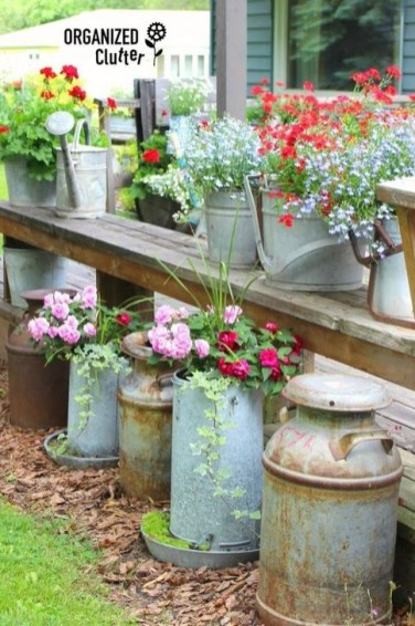 Comfy And Unique Garden Decor Ideas 40