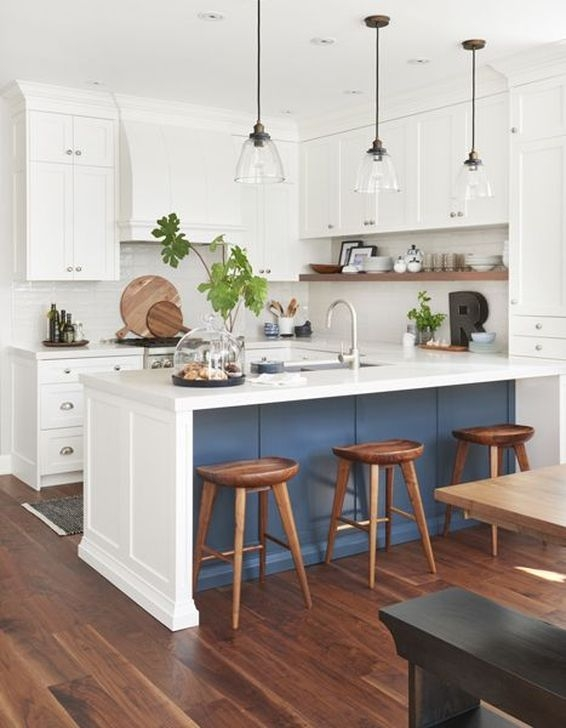 Gorgeous White Kitchen Cabinet Design Ideas 39