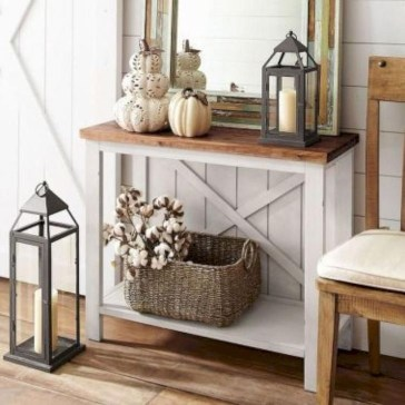 Stunning Farmhouse Entryway Decoration Ideas 08