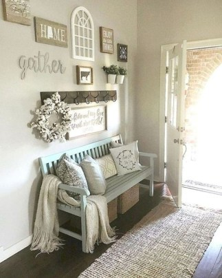 Stunning Farmhouse Entryway Decoration Ideas 41