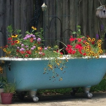 Totally Inspiring Garden Tub Decorating Ideas 41