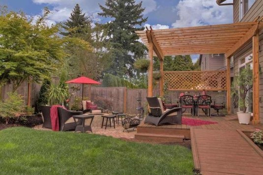 Absolutely Difference Small Backyard Landscaping Ideas 34