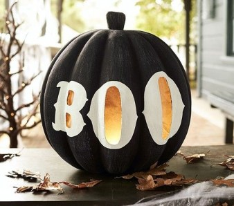 Amazing Halloween Black Decor Ideas To Scary Party Ever 02