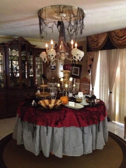 Amazing Halloween Black Decor Ideas To Scary Party Ever 06