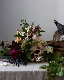 Amazing Halloween Black Decor Ideas To Scary Party Ever 14
