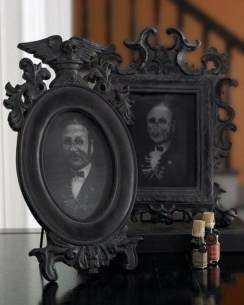 Amazing Halloween Black Decor Ideas To Scary Party Ever 39