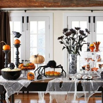 Amazing Halloween Black Decor Ideas To Scary Party Ever 43