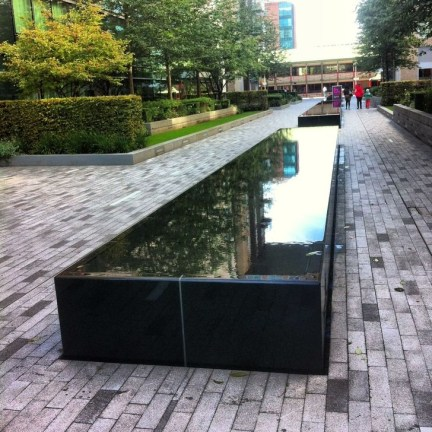 Amazing Modern Water Feature For Your Landscape30