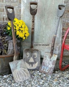 Cozy Vintage Halloween Decoration For Outdoor Ideas 16