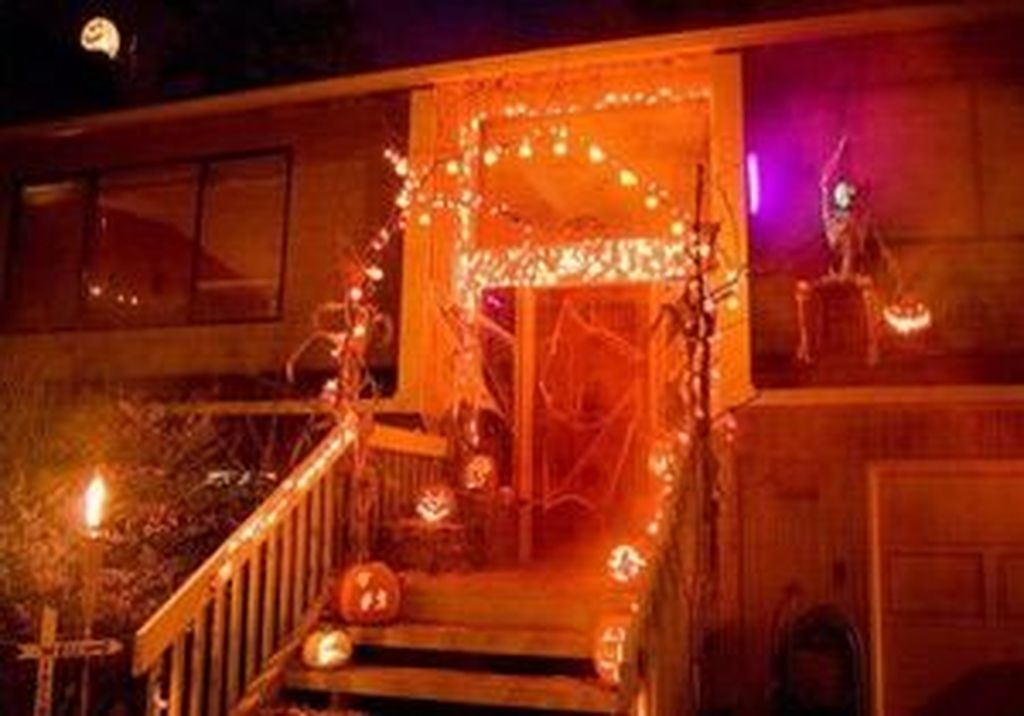 Cozy Vintage Halloween Decoration For Outdoor Ideas 30