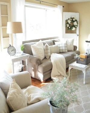 Fantastic Living Room Farmhouse Style Decorating Ideas 20