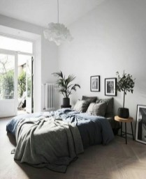Gorgeous Grey Bedroom Ideas To Repel Boredom03