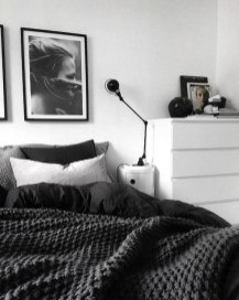 Gorgeous Grey Bedroom Ideas To Repel Boredom20