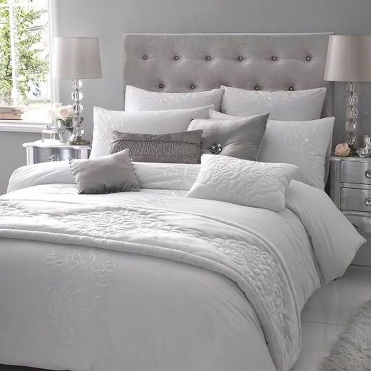 Gorgeous Grey Bedroom Ideas To Repel Boredom30