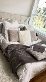 Gorgeous Grey Bedroom Ideas To Repel Boredom38