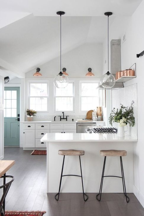 Nice Ideas To Decorating A Farmhouse Kitchen29