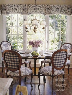 Popular French Country Living Room Decor Ideas 08